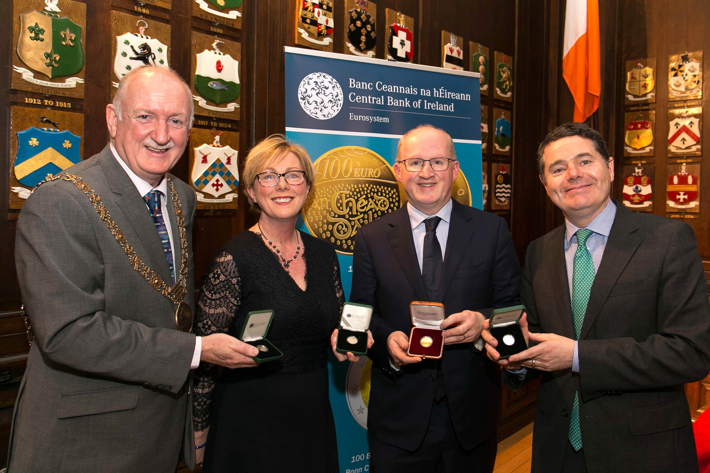 €2 coin commemorating the centenary of the meeting of the First Dáil launched at Mansion House