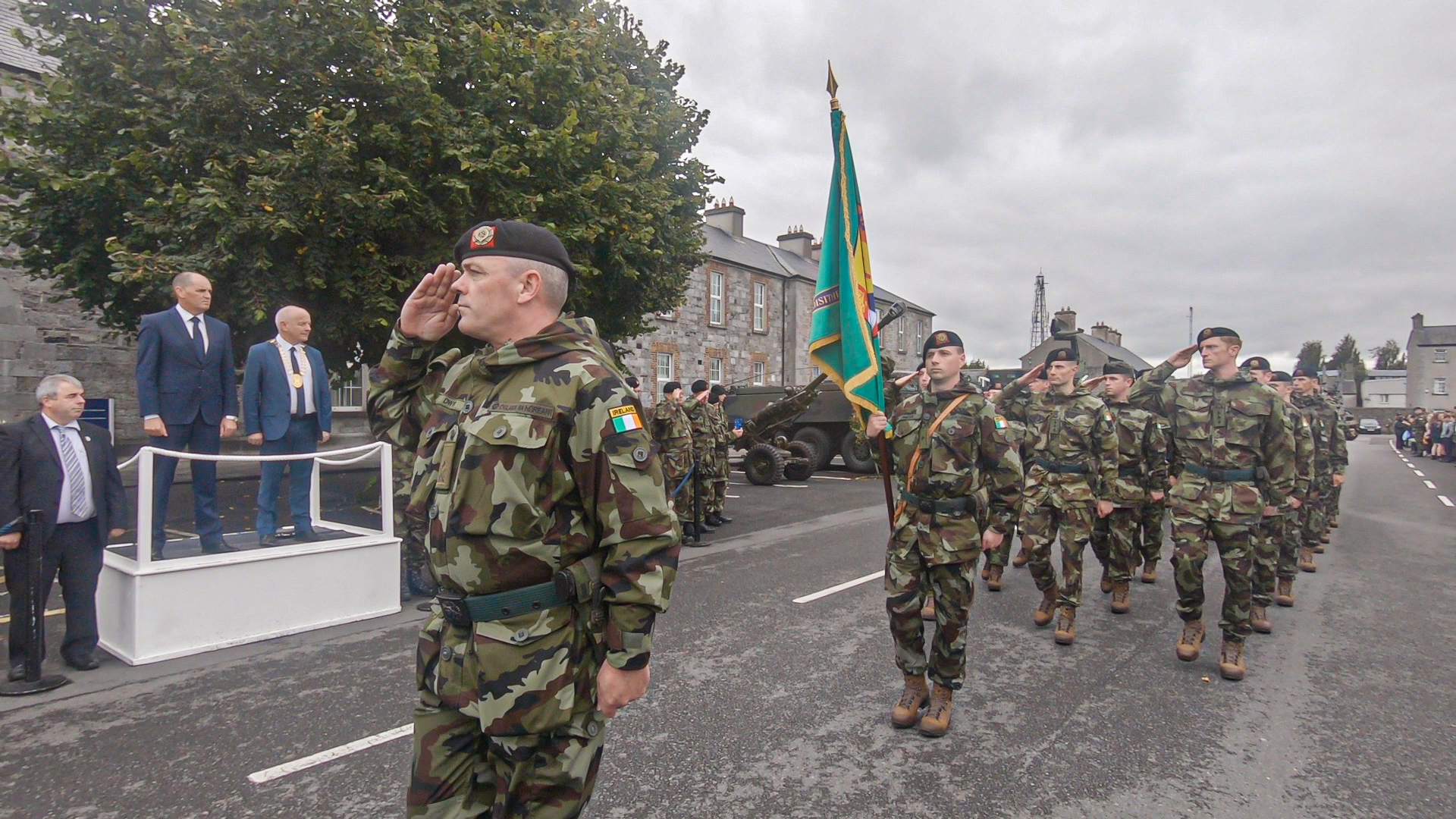 Minister Paul Kehoe Reviews Irish Troops heading for service with UNDOF